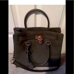 Michael kors Nwot green lock handbag large